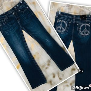 Miss Me rhinestone peace sign back pockets Jeans